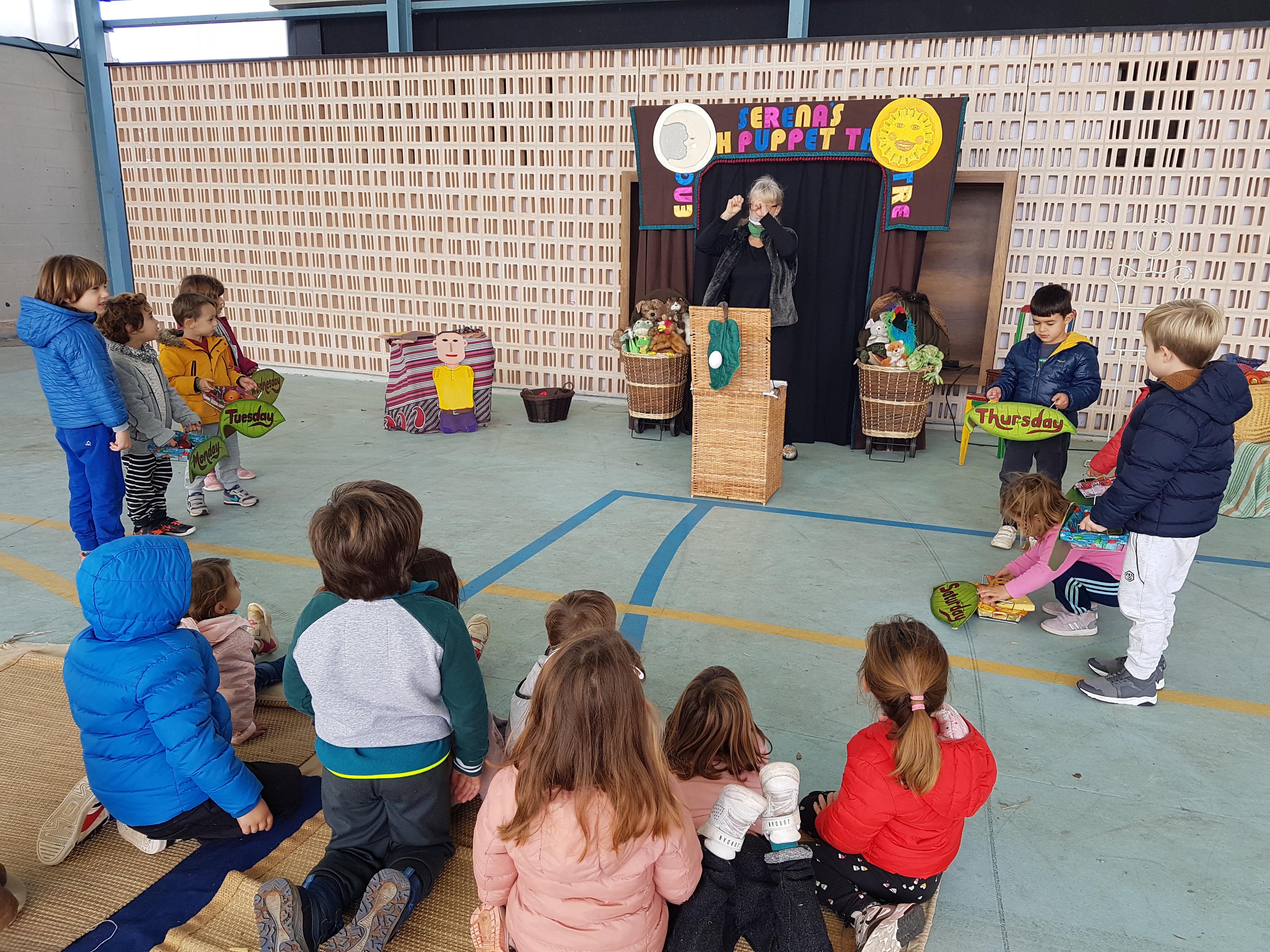 Serena's English puppet theatre