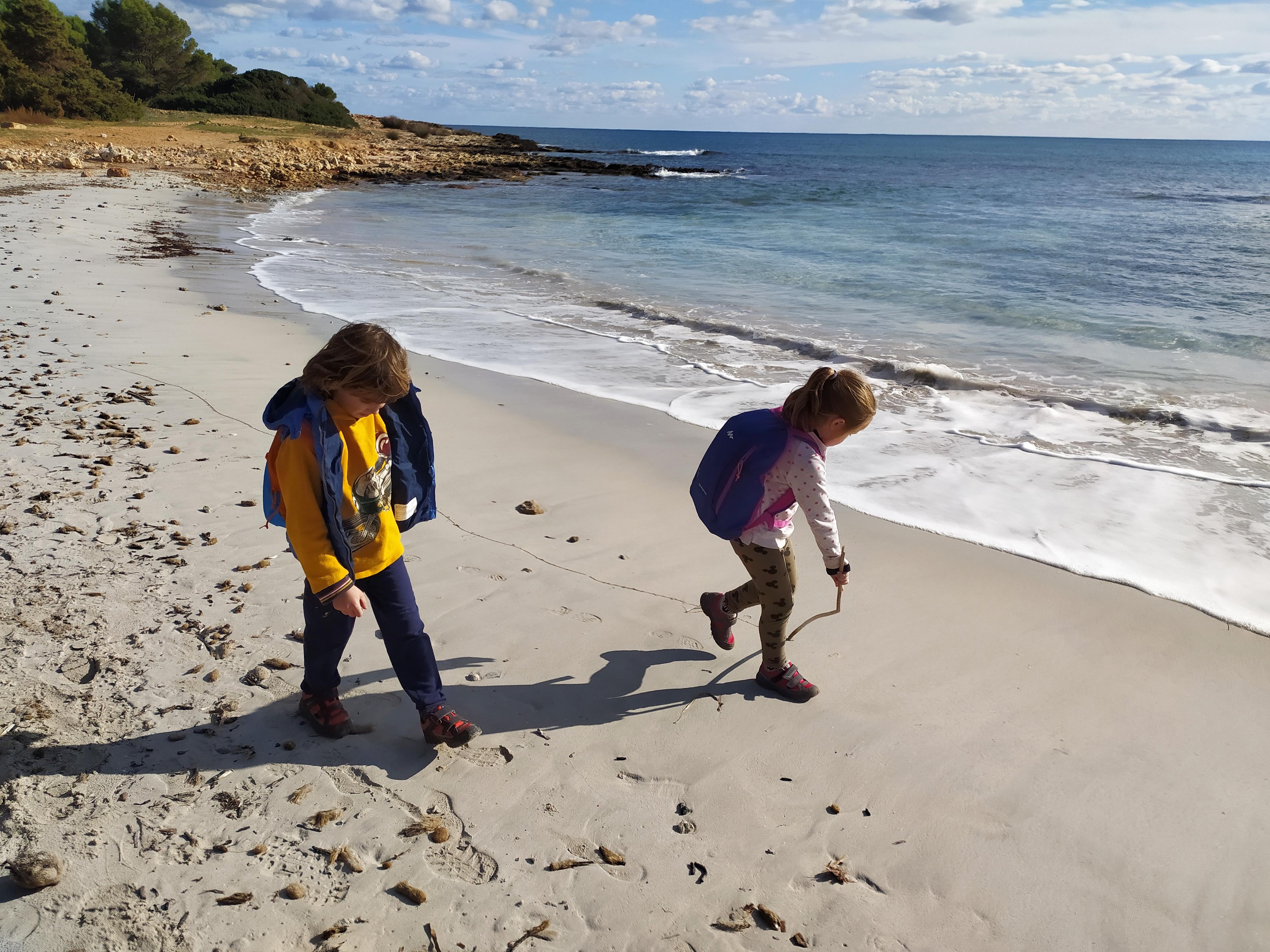 Anem a passejar a la vora de la mar